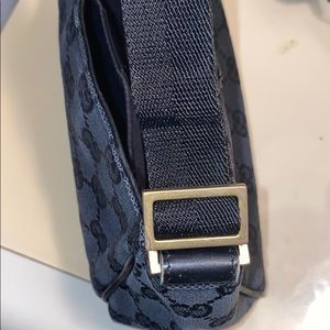 Gucci Bags - Authentic Gucci small cosmetic/bag